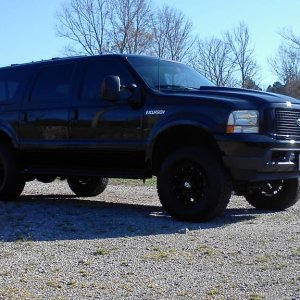 "2002 Ford Excursion 7.3 PS, 2 1/2"" Rough Country Lift, XD Misfit wheels w/ 305/70x17 Nitto Grapplers..Banks Ram Intake, 4"" Silver Line turbo"