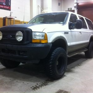 "EX 1.2- Limited Excursion, F350 spring + leveling kit and rear blocks, 35' BFG's, 16X10 Weld rims (3.25"" bs""), rebuilt motor, WW, gutted EBP"